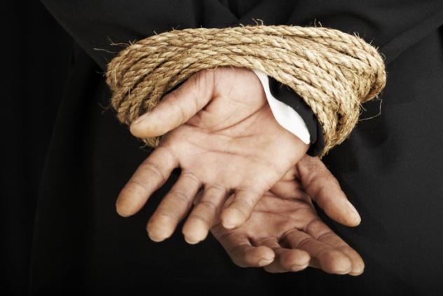 Κυβέρνηση δέσμια του κρατισμού των εμμονών και των ιδεοληψιών της