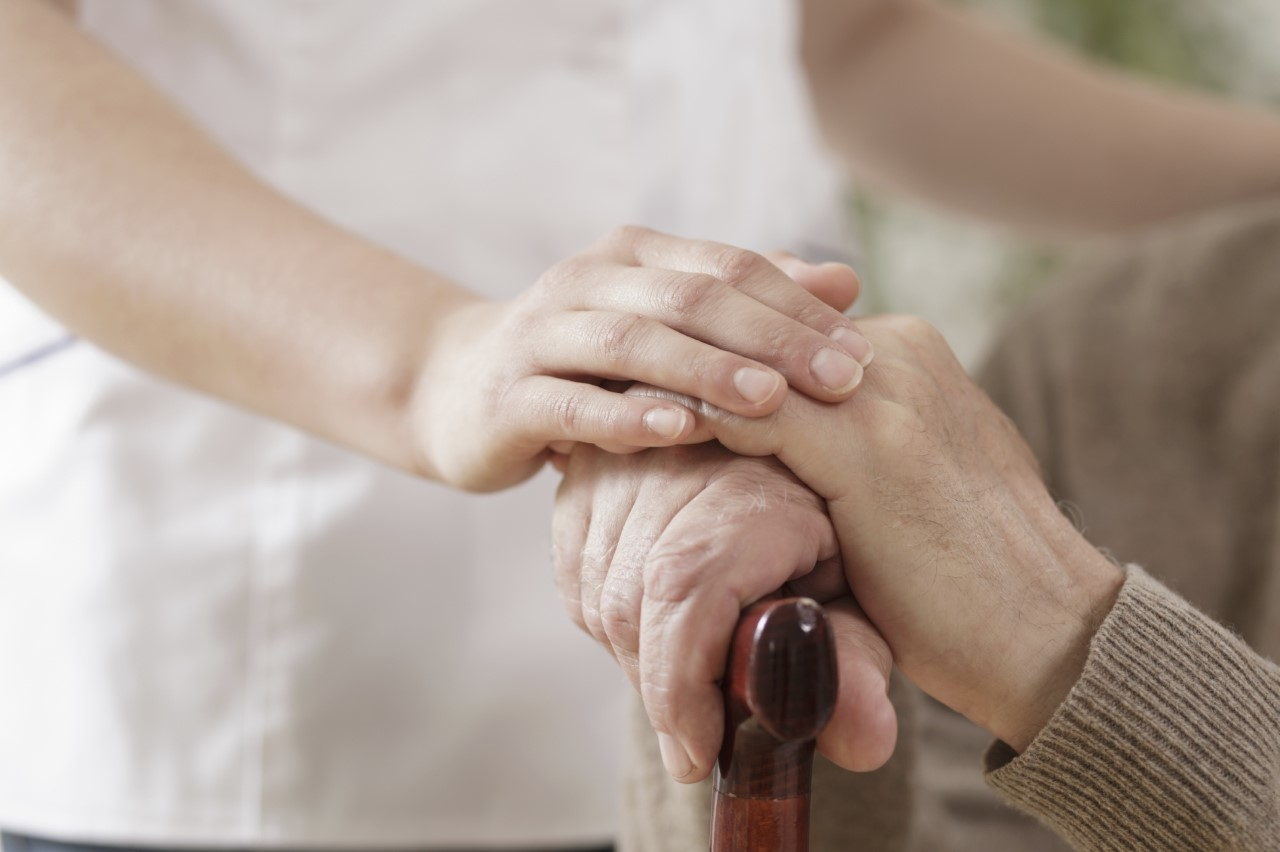 Η μοναξιά στους ηλικιωμένους και όλοι εμείς